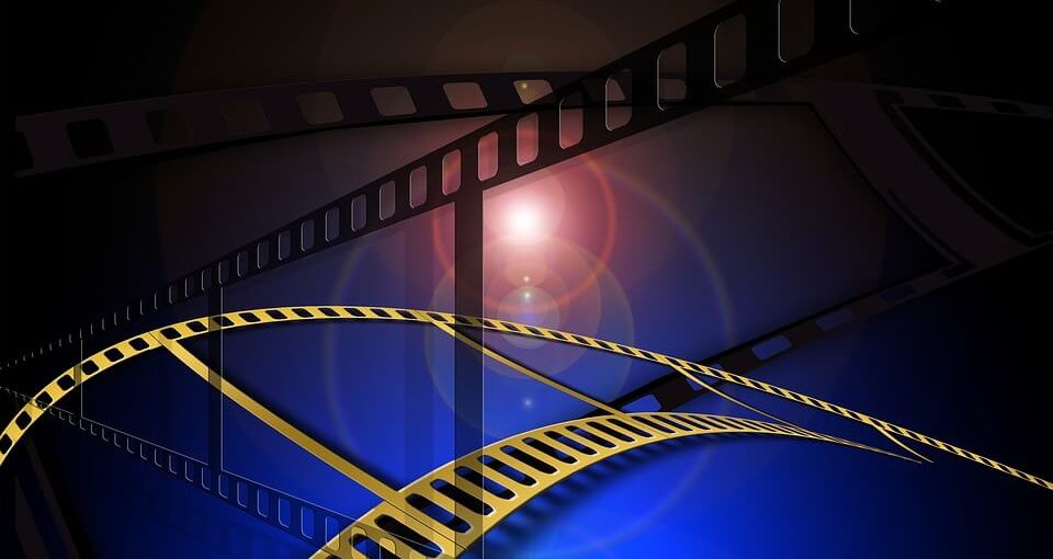 посмотреть в кинотеатрах на выходных